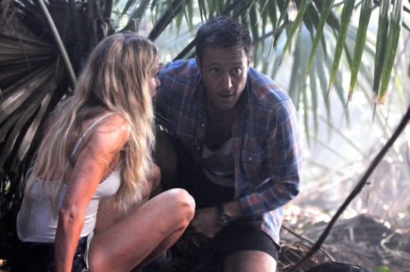 Sarah Carter as Lynn Downey and Alex O'Laughlin as Steve McGarrett