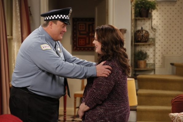 "Mike & Molly, ""Cops On The Rocks"""