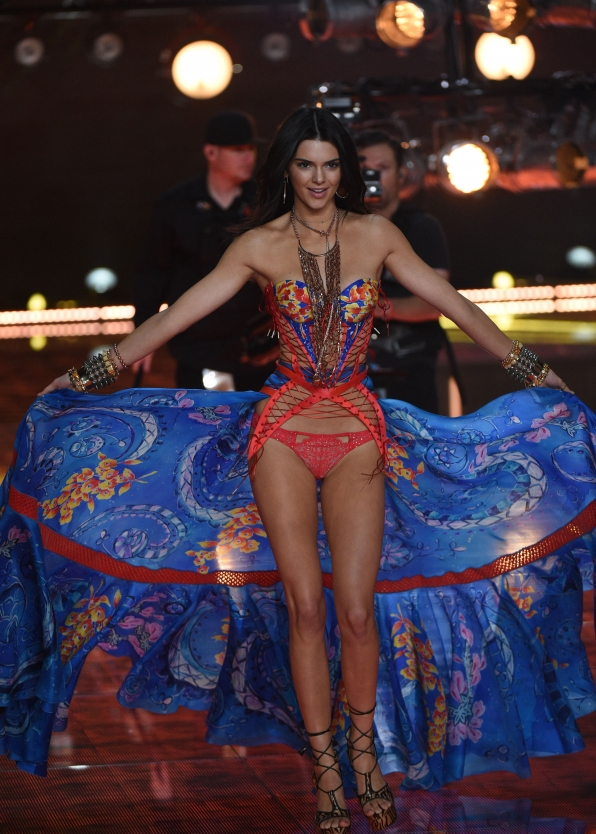 This look on Kendall Jenner is nothing less than cha-cha-charming