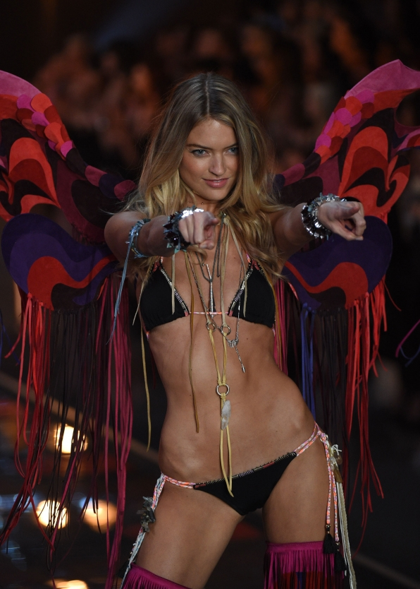 We can't point out all the things we love about Martha Hunt's two piece