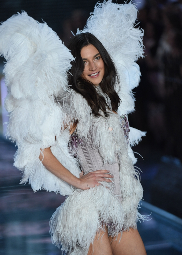 Jacquelyn Jablonski flutters down the runway in a pale-purple feathered number