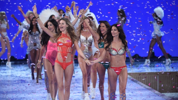 Behati Prinsloo and Lily Aldridge lead the VS Fashion Show finale procession