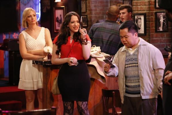 Caroline, Max, and Han hit up a jazz club