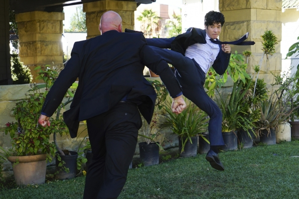 Detective Lee, once again, shows off his flexibility when a confrontation becomes physical.