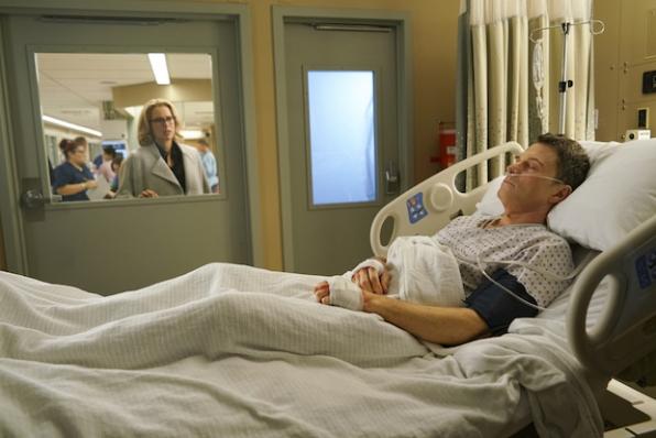 Elizabeth visits a wounded Henry.