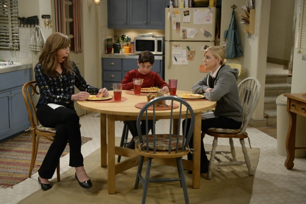 Roscoe opens up to Bonnie and Christy about some troubles with his dad, Baxter.