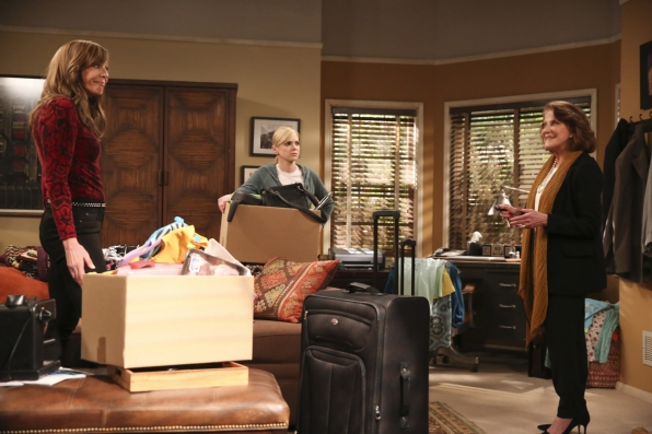 Phyllis (played by Linda Lavin) walks in on Bonnie and Christy packing up Violet's things.