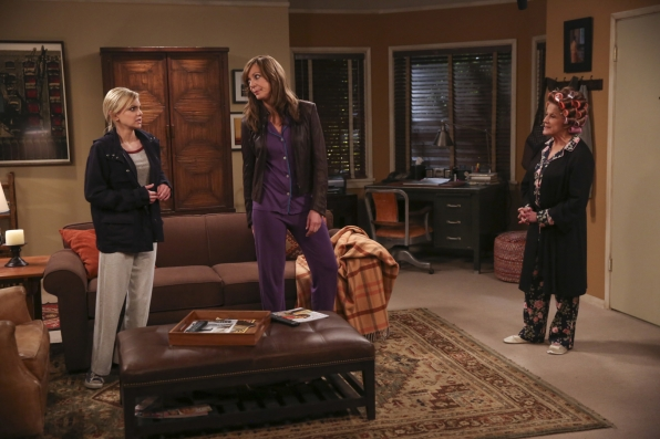Bonnie and Christy arrive back at Gregory's apartment to Phyllis in curlers.
