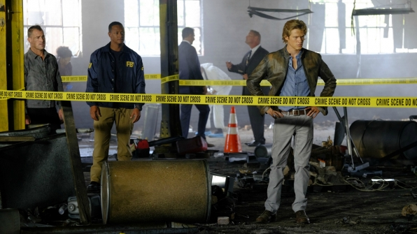 MacGyver pieces together the crime scene.