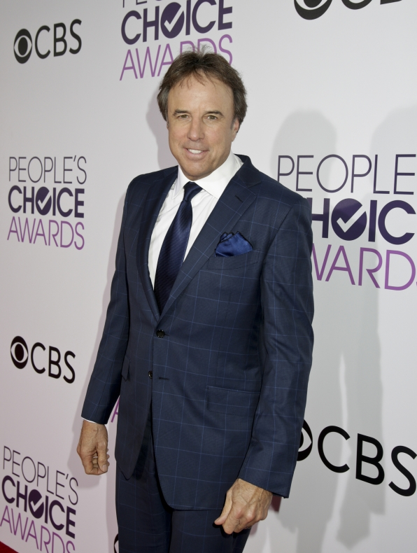 Kevin Nealon was all smiles before the People's Choice Awards 2017.