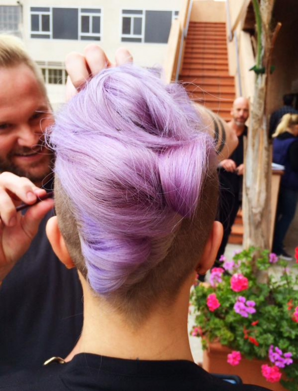 10. Kelly Osbourne Went All Out With Her Hair!
