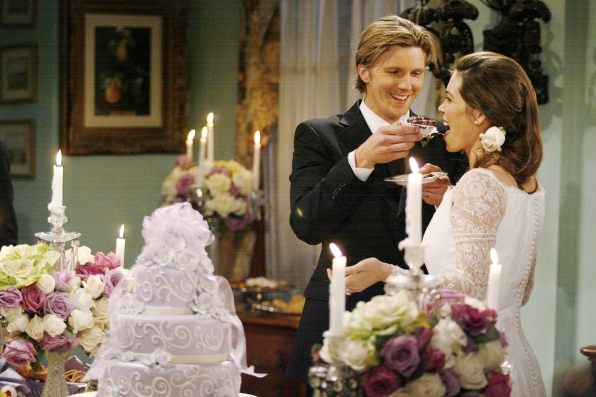 JT Hellstrom and Victoria Newman, who are also married in real life, had a gorgeous Y&R wedding.