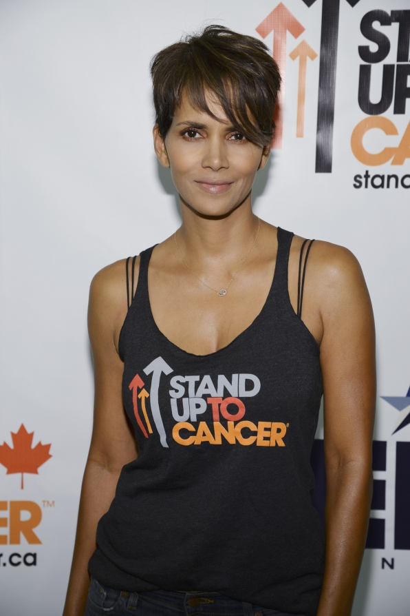 Halle Berry arrive at Stand Up To Cancer