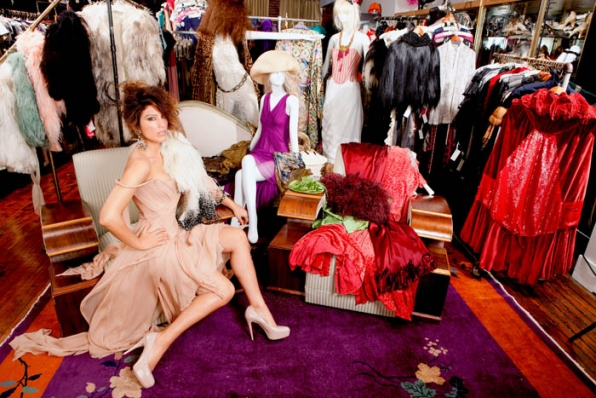 Jennifer Esposito shows how to be pretty in pink