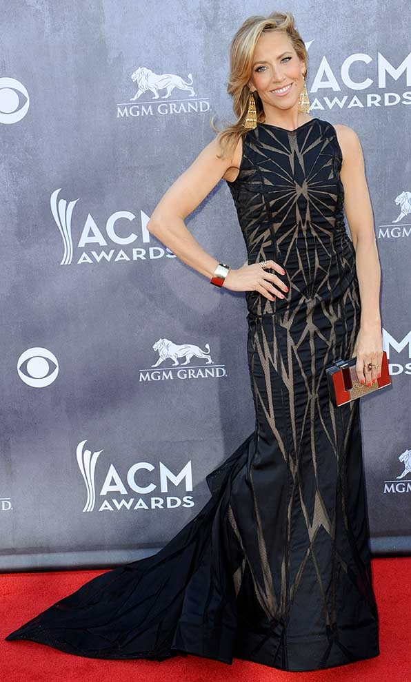Sheryl Crow cut up the red carpet at the 2014 Academy of Country Music Awards.