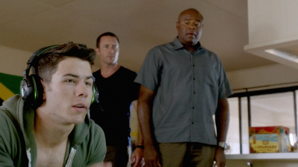 "Nick Jonas Guests in ""Akanahe"" Season 4 Episode 8"