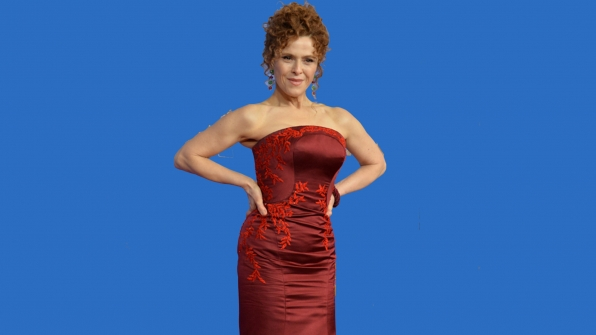 Bernadette Peters as Linore Rindell
