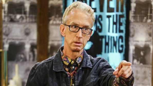 J. Petto (Andy Dick) applies for a job.