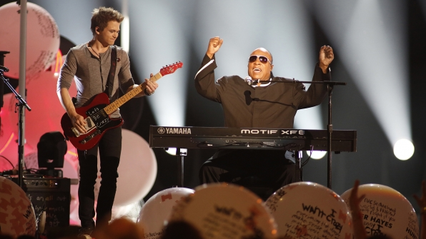 "8. Hunter Hayes and Stevie Wonder perform ""Sir Duke"" at the 48th ACM Awards in 2013."