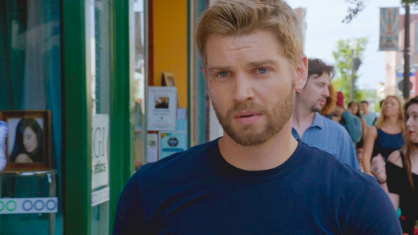 23. Mike Vogel resides on a farm outside of Nashville with his wife of 11 years, and three children.