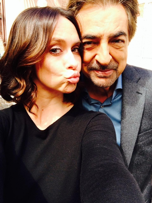 Twitter @JoeMantegna: Working with @TheReal_Jlh today. Yes I'm a lucky guy! @CM_SetReport