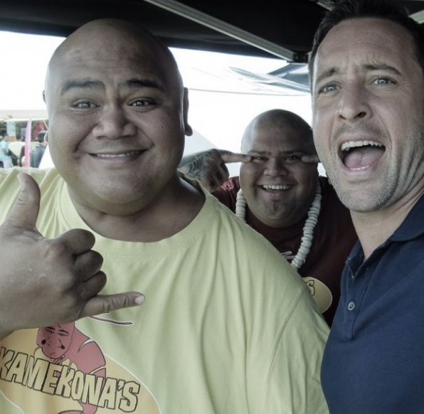 Hawaii Five-0 Instagram: #selfie with our shrimp boys Taylor and Shawn! #CBSInstagramTakeover