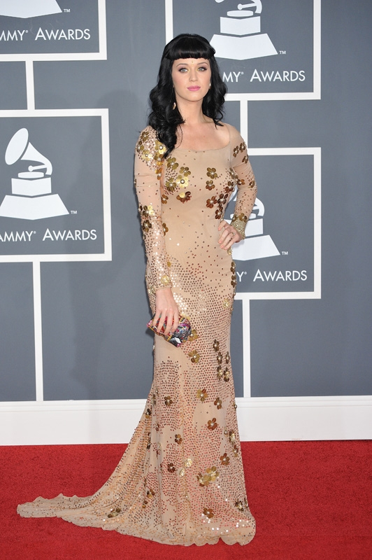 (2010) Katy not only shines in gold but also on the red carpet. (Photo by: Corbis)