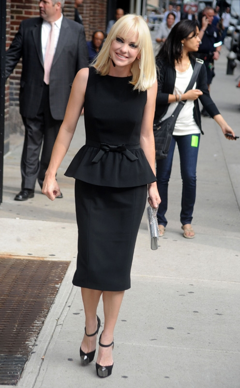 4. She rocks the classic LBD like a pro.