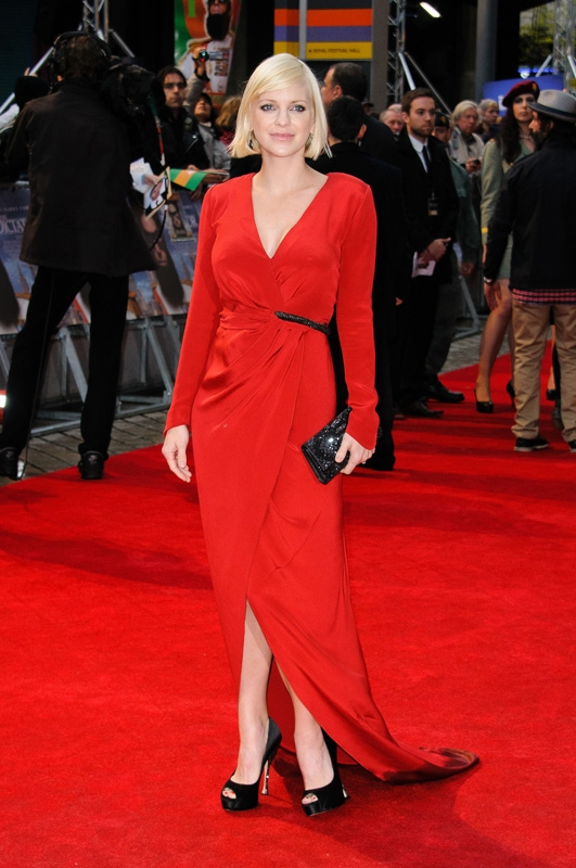 27. The red carpet can't hold a candle to Anna in red.