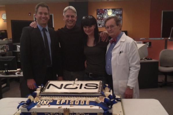 Cake Tv Show Cbs : 200th Episode Celebration - Page 4 - NCIS Photos - CBS.com