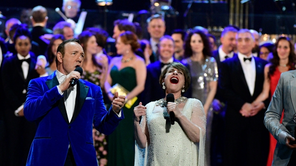 """Kevin Spacey and Patti LuPone close out the night with """"The Curtain Falls"""""""