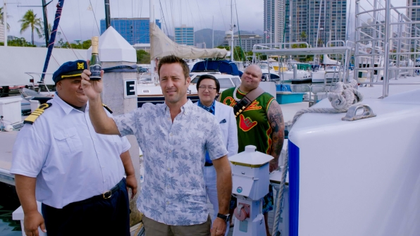 Taylor Wily as Kamekona, Alex O'Loughlin as Steve McGarrett, Masi Oka as Dr. Max Bergman, and Shawn Mokuahi Garnett as Flippa/Shawn Tupuola