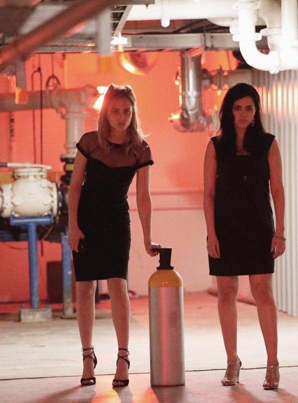 Chloe and Dariela go undercover.