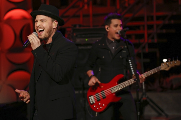 1. Watching Gavin DeGraw perform live!