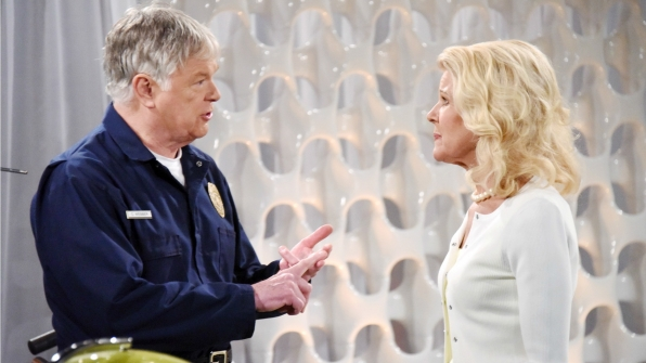 Pam and Charlie hold their secret when questions surface surrounding Brooke and Ridge's failed attempt to be married.