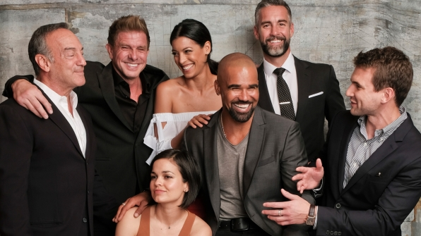 Peter Onorati, Kenny Johnson, Stephanie Sigman, Lina Esco, Shemar Moore, Jay Harrington, and Alex Russell of S.W.A.T.