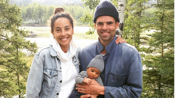 Jason Thompson (Billy Abbott) traveled home to Canada with his wife, Paloma, and their son, Bowie.