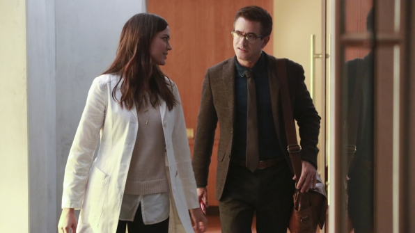 Dr. Wallace meets Dr. Zoe Brockett (Odette Annable).