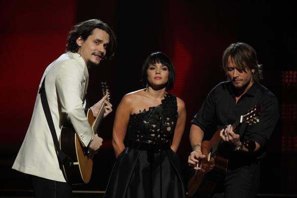 2011: Three Stars Honor a Legend
