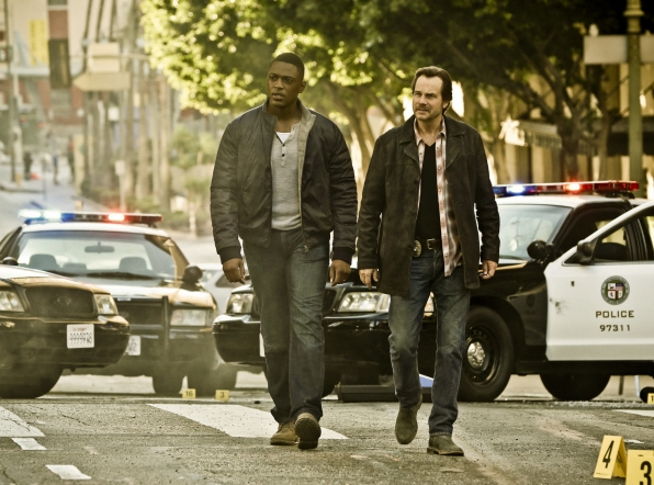 Justin Cornwell as Det. Kyle Craig and Bill Paxton as Det. Frank Rourke