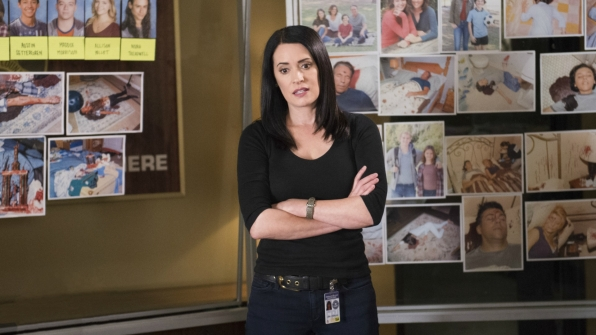 Emily Prentiss discusses options with the team.