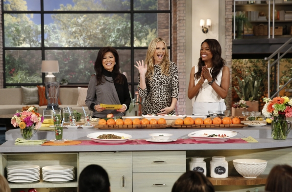 8. Molly Sims shared healthy recipes.
