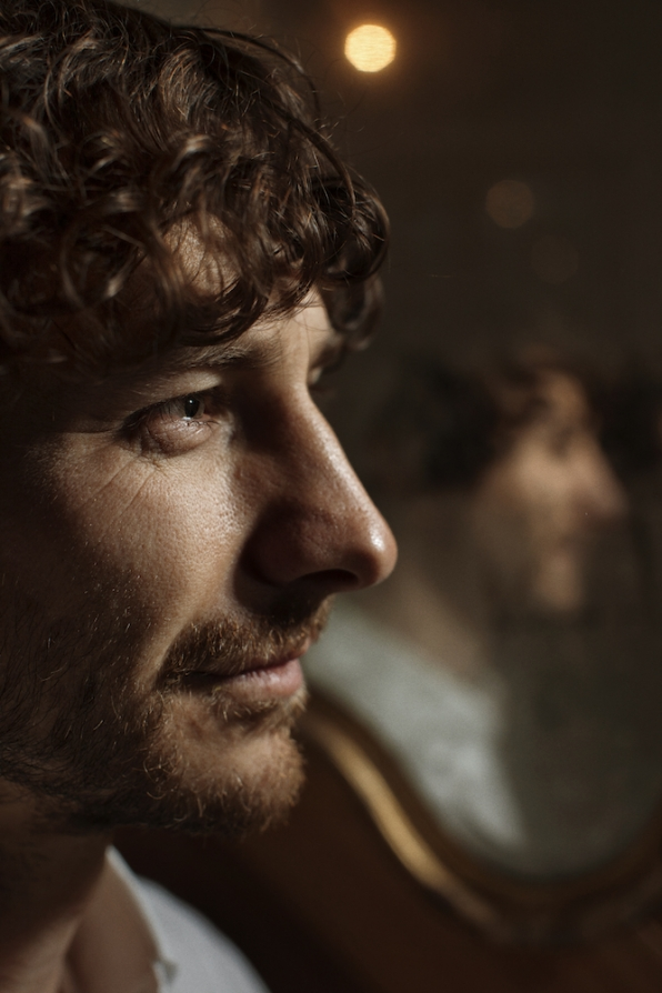 Gotye Up Close