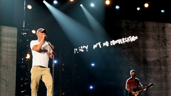 "Kenny Chesney tries to silence all the ""Noise"" during his 2016 ACM Awards rehearsals."