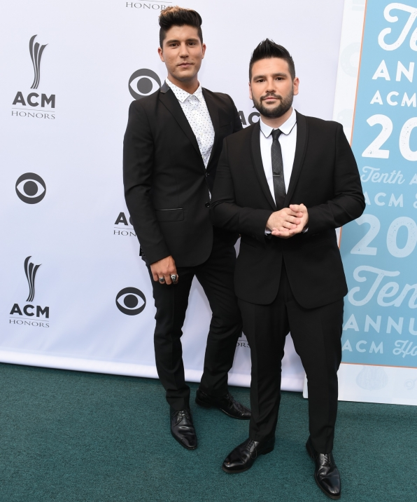 "It's hard not to be ""Obsessed"" with Dan + Shay's look."