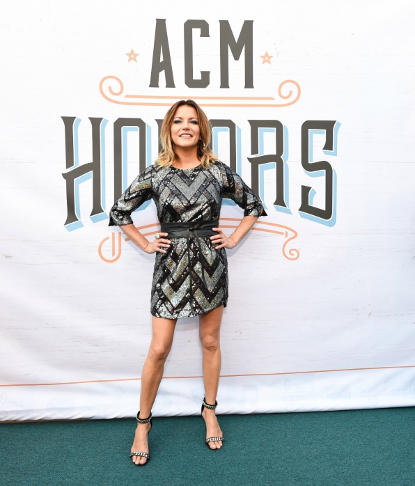 "Martina McBride owns the ACM Honors red carpet with her ""Everlasting"" style."