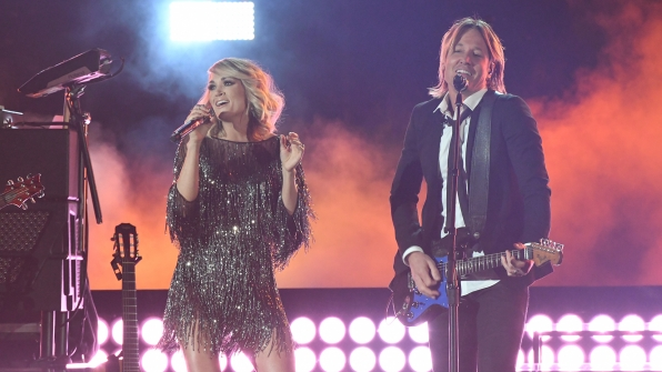 "Keith Urban and Carrie Underwood perform ""The Fighter"" at the 52nd ACM Awards"