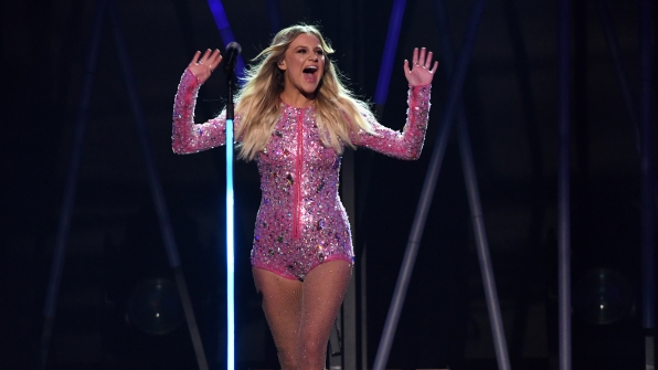 """Kelsea Ballerini performs """"Yeah Boy"""" at the 52nd ACM Awards"""
