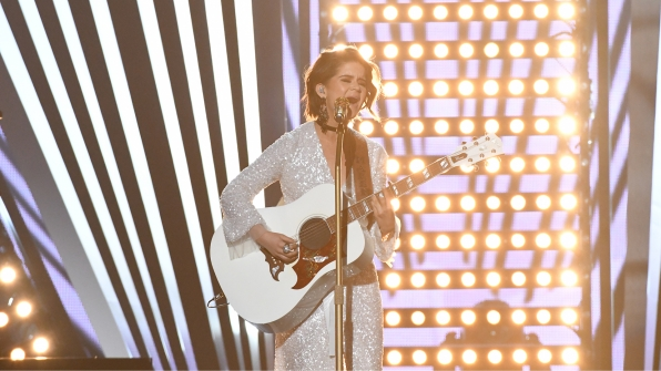 "Maren Morris performs ""I Could Use A Love Song"" at the 52nd ACM Awards"