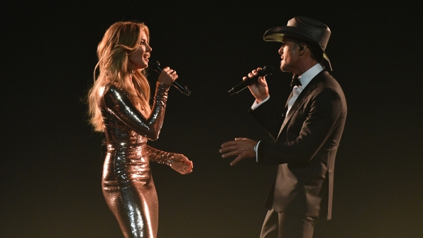 "Faith Hill and Tim McGraw perform ""Speak To A Girl"" at the 52nd ACM Awards"